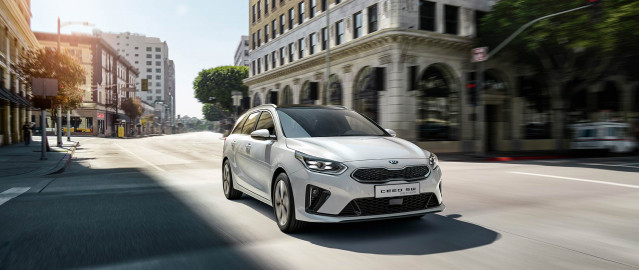 kia cd wgn phev my20 hybriddriving w
